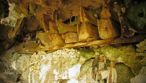 Hanging Coffins Of Indonesia At Sulawesi